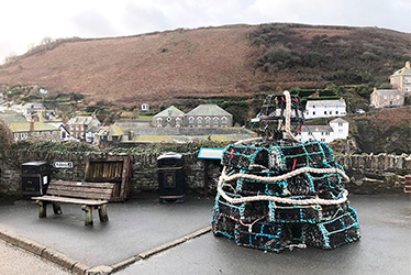 port isaac lobster pot christmas tree 2019